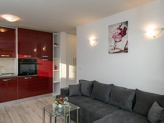 Relax Zone Apartments - One Bedroom Apartment with Terrace no.1