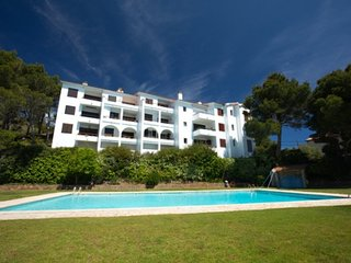 Begur Apartment Sleeps 4 with Pool and WiFi - 5747439