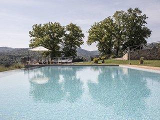 Castello di Tocchi Villa Sleeps 27 with Pool Air Con and WiFi - 5241692