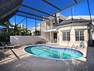 Carlton Place in Pelican Bay 360