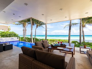 Summer Deal-Oceanfront house with private pool for 6- Playacar Phase 1