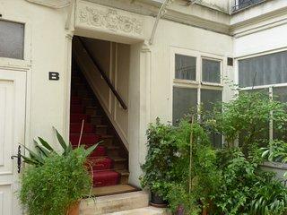 3 Rooms  near Notre-Dame/ river Seine(ventilated)