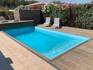 Villa avec piscine à 5min des plages