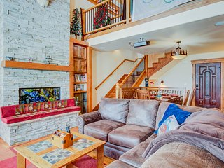 Mountain view family home w/ hot tub, game room & home theater - near skiing!