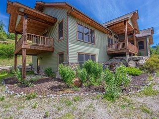 Custom-built, energy efficient home - minutes from Lake Pend Oreille!