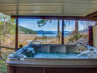 Fantastic lakefront home w/ private hot tub, dock, firepit & fireplaces!