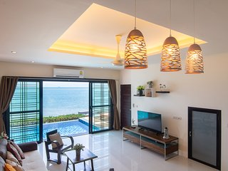 Koh Sirey Beachfront Pool Villa