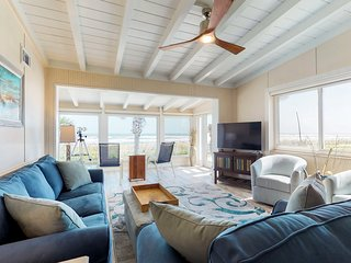 Dog-friendly, oceanfront home w/ incredible views, enclosed yard, beach access!