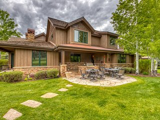 Luxury golf-course-front home w/ pool table, firepit & fireplaces - dogs OK!