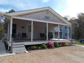 Newly renovated home w/ deck & amazing location near town/beach - 1 dog OK!