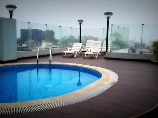 Miraflores Deluxe + 6Beds (7Pers.Max) + Pool + Grill + 1Garage