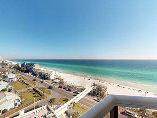 Enjoy breathtaking Gulf views, a balcony & shared pool/hot tub/gym/tennis!