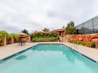 Beautiful Sedona townhome w/ a shared pool, hot tub, tennis, & on-site golf