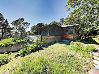 Quintessential Waterfront Cottage w/ Screened Porch - Steps to Waquoit Bay
