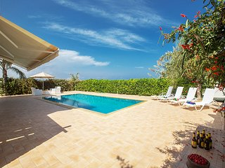 Stunning Villa with Private Pool, in Walking Distance to the Beach