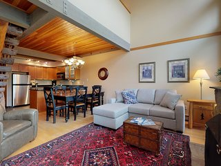 FREE ACTIVITIES - Elegant Ski In / Ski Out Condo by Harmony Whistler