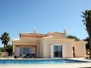 Vila Zeta - Cozy and Relaxing Atmosphere in central Algarve