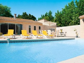 Beautiful Villa with swimming pool in heart of Drôme, Provencale, vacation rental in Puy-Saint-Martin