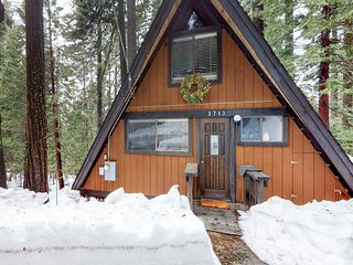 Cozy A-frame home w/ private deck & wood stove - close to Bear Valley Ski Resort