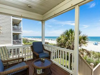 'Bella Alba' Perfect Surfside Beach Oceanfront Location. Parking for 4 Cars