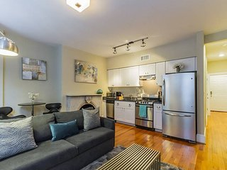 RITTENHOUSE SQUARE 3R, HISTORIC APT IN CENTER CITY