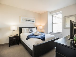 The Griffin   Modern 2BR, 1BA Home in Center City
