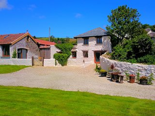 SAUNTON SUNSHINE COTTAGE | 3 Bedrooms