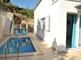 ctvi167- Holiday home with outdoor pool, 4 bedrooms, a living room, kitchen, din