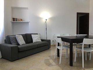 Elegante e luminoso appartamento nuovo fronte porticciolo