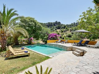 Rustic Villa Sa Coma surrounded by fantastic NATURE with pool, garden & BBQ
