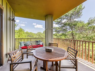 Cozy condo w/ a treetop view, shared pools, & private beach access