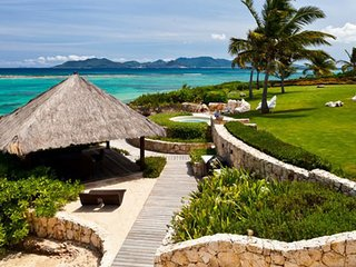 Villa Le Bleu 5 Bedroom SPECIAL OFFER - Located in Tropical Little Harbour