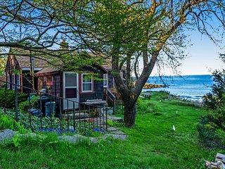 Cozy oceanfront home with  unique architecture