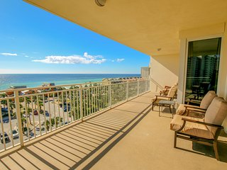 Spacious home w/ gulf views, shared swimming pool & fitness center on-site!