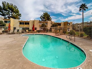 Stylish Scottsdale condo w/ four shared pools - close to great shops & dining!