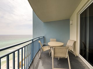 Beautifully updated beachfront condo w/ shared pool, hot tub & gym!