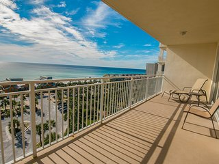 8th floor waterfront condo with balcony - shared pool, fitness center & BBQ area