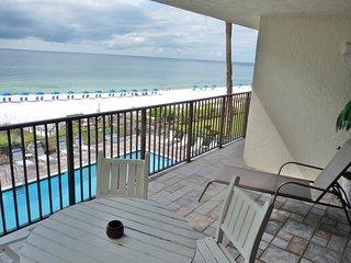 Spacious 3rd floor condo w/private balcony, ocean views and outdoor pool access