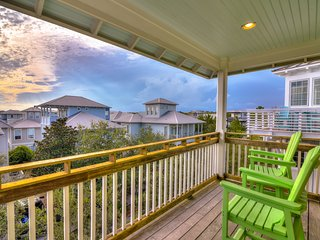 Relaxing beach house w/Gulf views, shared pool - near Eastern Lake & the beach!