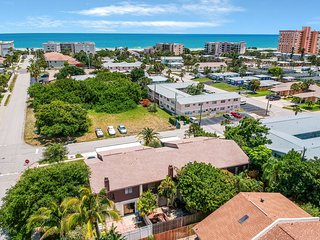 Newly furnished home w/ a private patio - just a couple blocks from the ocean!