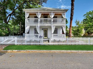 Historic, spacious, & dog-friendly home - within walking distance of town!
