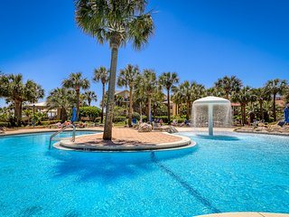 Beautiful, waterfront condo w/ two shared pools, gym, & easy beach access