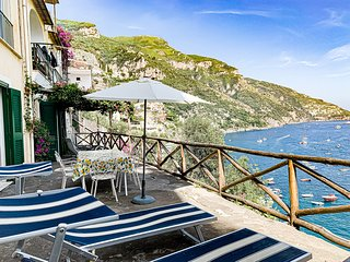 Casa Livia with Terrace and Sea View in Positano Center
