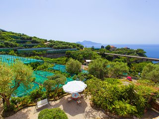Villa Imma with Private Swimming Pool, Sea View and Parking