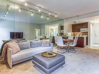 Lovely, dog-friendly condo w/ a shared, outdoor pool & on-site golf