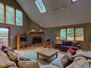 Dog-friendly Deep Creek home w/ private hot tub, foosball table, & free WiFi!