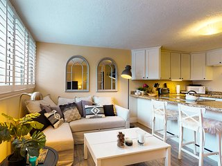 Updated condo within walking distance to skiing, nightlife and dining