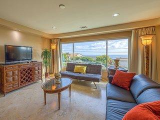 Renovated home w/ ocean views & yard - close to the beach!