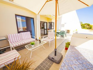 A08 - Magnolia Sea View Apartment