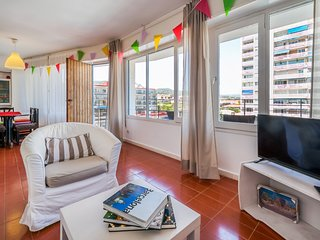 Sunny apartment ideal families 20min Barcelona